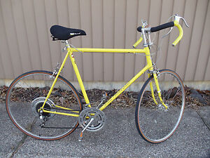 VINTAGE 1973 SCHWINN SUPER SPORT 10  SPEED MENS ROAD BIKE