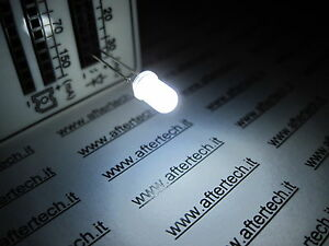 FOGGY-100-DIODI-LED-LEDS-BIANCHI-5mm-WHITE-LUCE-DIFFUSA-DIFFUSED-RESISTENZE