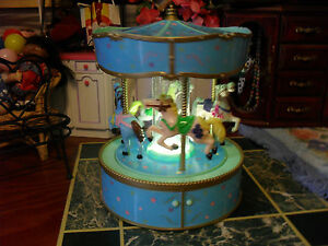WORKING-CLEAN-MUSICAL-CAROUSEL-NIGHT-LIGHT-CUTE-BABY-ROOM-DECOR-MERRY-GO-ROUND