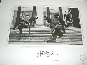 JOHN-CLEESE-limited-edition-signed-PRINT-MINISTRY-OF-SILLY-WALKS-MONTY-PYTHON-A