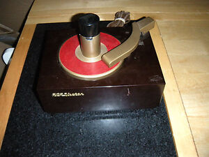 VINTAGE-BAKELITE-RCA-VICTOR-45-RECORD-PLAYER-TURNTABLE-45J-phonograph