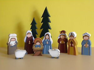 Wooden-Nativity-set-hand-made-in-Oregon-4-5-tall-tree-9-tall-11-pieces