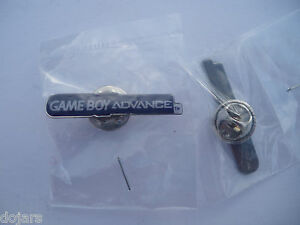 Nintendo-GAMEBOY-ADVANCE-Purple-RARE-Promo-Metal-PIN-BADGE-Pins-GBA-Collectable