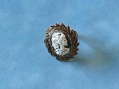 Retro Style Lady's Skull Cameo In Fancy Gp Oval Adj. Ring Settng Free Us Ship
