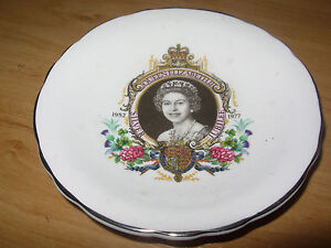 ELIZABETH-II-SILVER-JUBILEE-1977-TRINKET-DISH-ROYAL-GRAFTON-BONE-CHINA