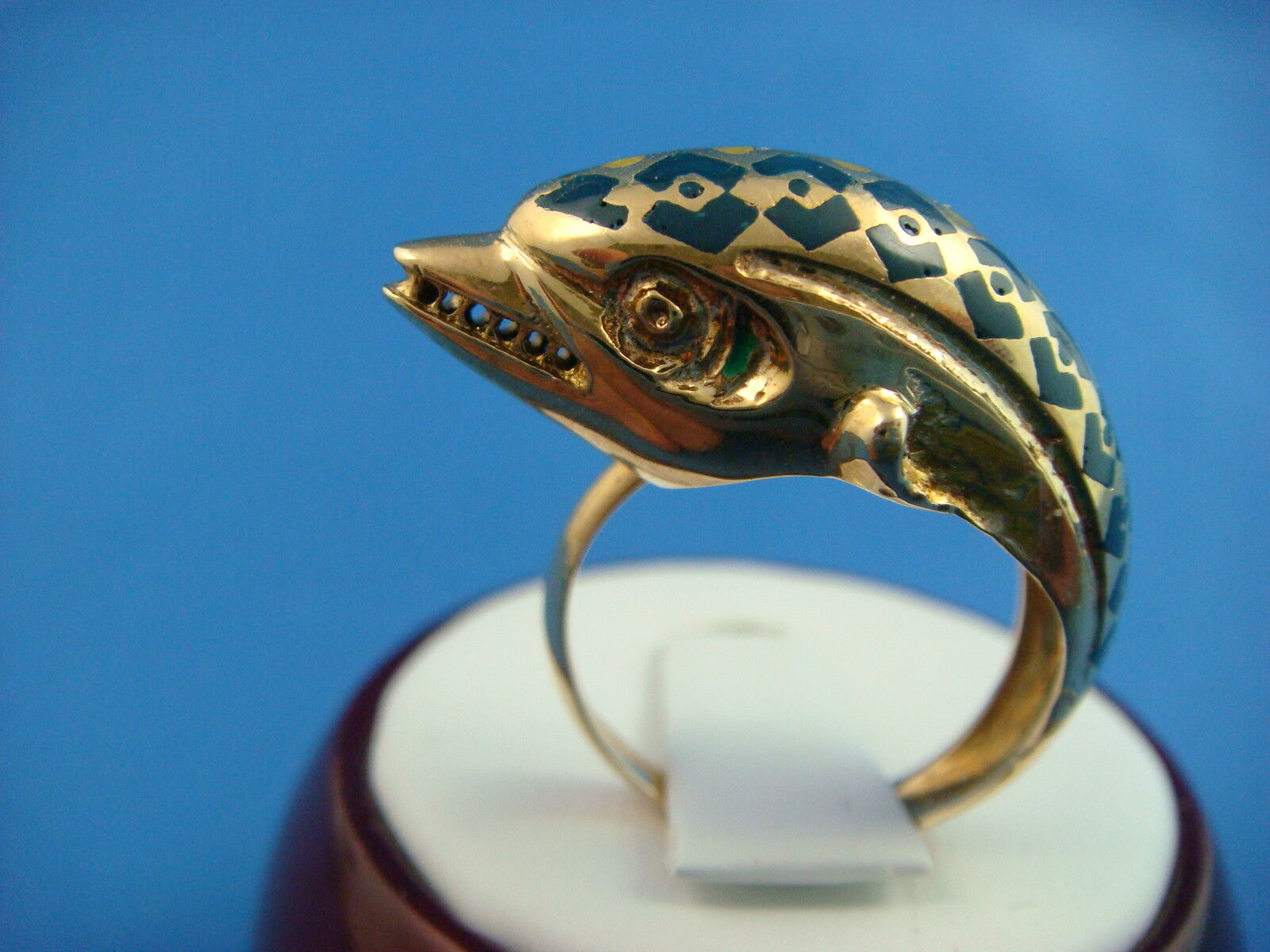 Vintage Dolphin 46