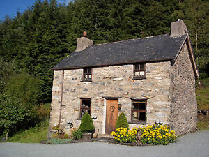 Holiday cottage at Lake Crafnant, Betws Y Coed, CONWY, Snowdonia. North Wales.
