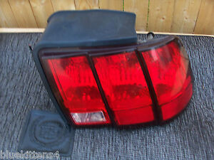 2004-2003-2002-01-2000-1999-MUSTANG-RIGHT-TAILLIGHT-OEM-USED-ORIGINAL-FORD-PART