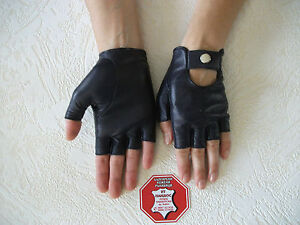 WOMEN'S  BLACK LEATHER FINGERLESS  GLOVES