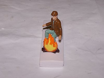 LIONEL POLAR EXPRESS G-GAUGE HOBO with FIRE TRAIN FIGURE NEW