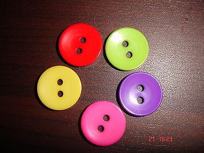 25  Knöpfe in 5 Farben 15mm
