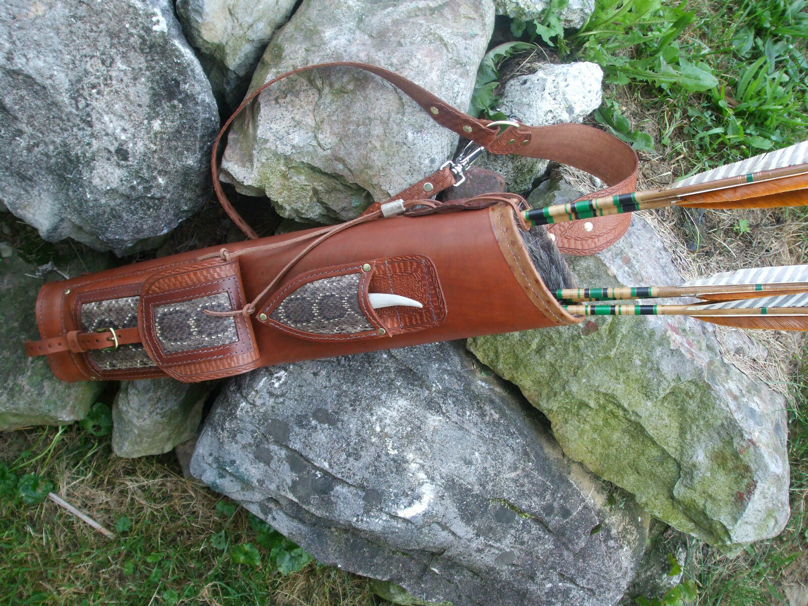 RATTLESNAKE BROADHEAD KNIFE LEATHER BACK QUIVER RIGHT OR LEF