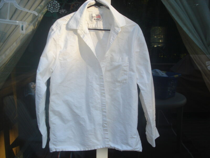 "PRE-OWNED PURE COTTON PLAIN WHITE SHIRT FOR MEN(CHEST 48"")USASELLER"