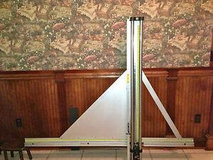 Fletcher 3000 Wall Mounted Glass Mat Board Acrylic Multi