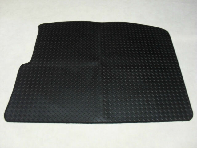 Renault Scenic 2004-2009 Tailored Rubber Boot Mat in Black