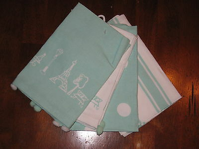 Kiss That Frog Green/white Paris Icon Napkin Set Of 4
