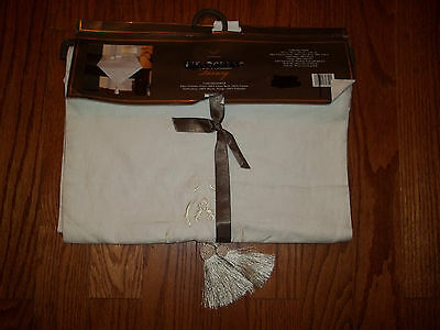 Fieldcrest Luxury White Embroidery Linen Table Runner