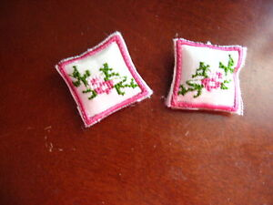 VICTORIAN CROSS STITCH ROSES IN DARK  PINKS MINI PILLOWS  MINIATURE DOLLHOUSE