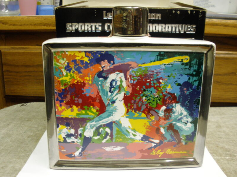 LEROY NEIMAN 1979 BASEBALL #2 SPORTS COMMEMORATIVE DECANTER