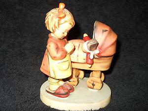 Goebel-hummel-figurine-67-DOLL-MOTHER-TMK-5-VERY-NICE