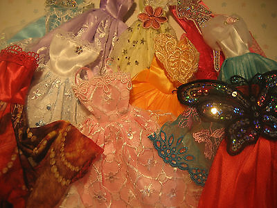 Lot 30 items 10 dresses/ clothes for Barbie doll /10 shoes/ 10 hangers /  new 10 on Rummage