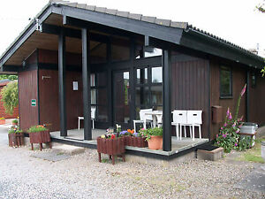 2-NIGHTS-IN-LUXURY-SELF-CATERING-LODGE-FOR-4-N-LAKES