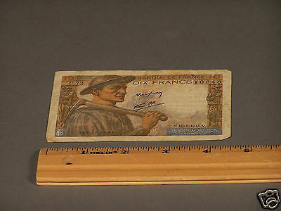 World War ll Banque Note from France Circa 1945 - Beautiful Art Work - Antique