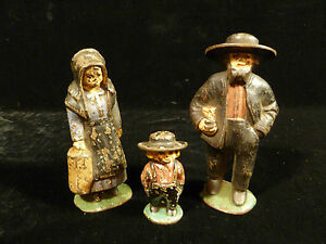 LATE-19TH-OR-EARLY-20TH-CENTURY-CAST-IRON-HAND-PAINTED-AMISH-FAMILY