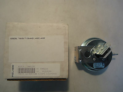 In Box Tridelta Fs6701-1372 Pressure Switch Hq1008044tr