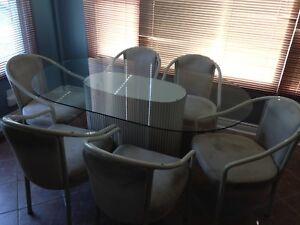 Table glass top 6 chairs