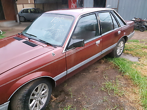 Original v8 commodore vk berlina Kealba Brimbank Area Preview