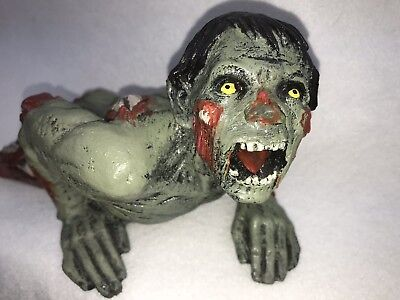 Scary Crawling Zombie Walking Dead Outdoor Indoor Decoration USA Very Cool (Very Scary Halloween Decorations)
