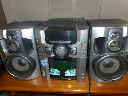 Radio with cd.player