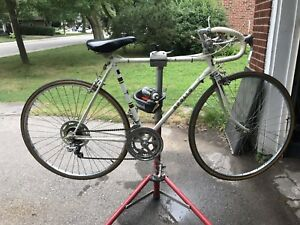Vintage 10 speed Apollo road bike