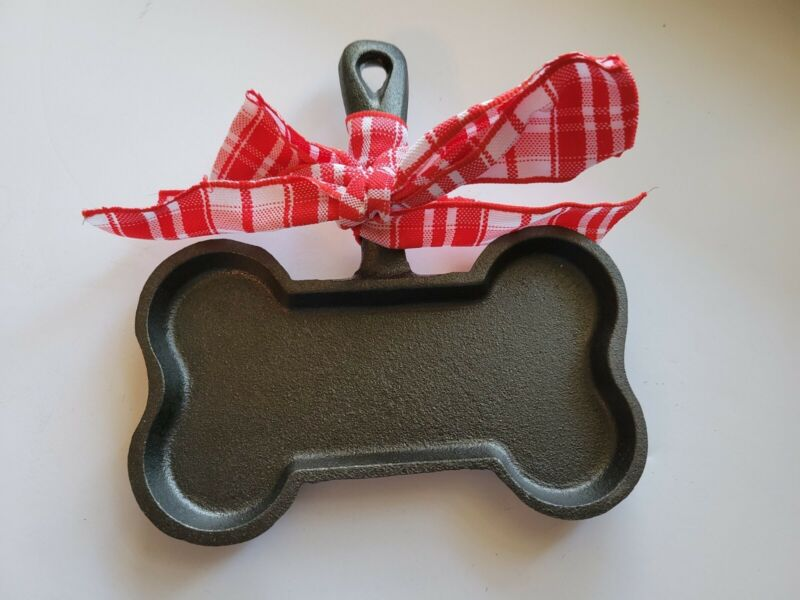 New Cast Iron Dog Biscuit Shaped Pan. Make Your Own Dog Treats! Or Human Treats!