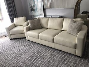 Stupendous White Leather Sofa Kijiji In Winnipeg Buy Sell Save Gmtry Best Dining Table And Chair Ideas Images Gmtryco