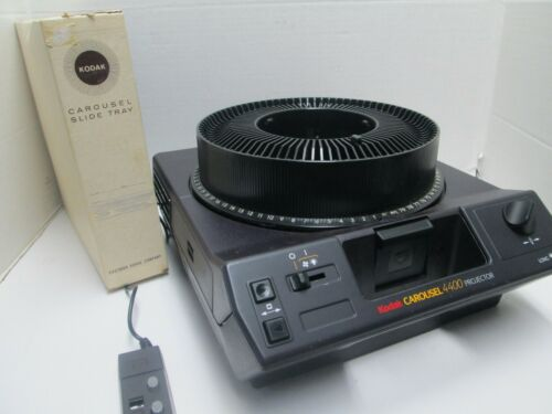 Kodak Carousel 4400 35mm Slide Projector - Remote with Power Focus