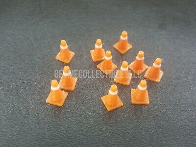 CARS MINI RACERS SCALE ORANGE WHITE CONE LOT OF 10 READ DESCRIPTION