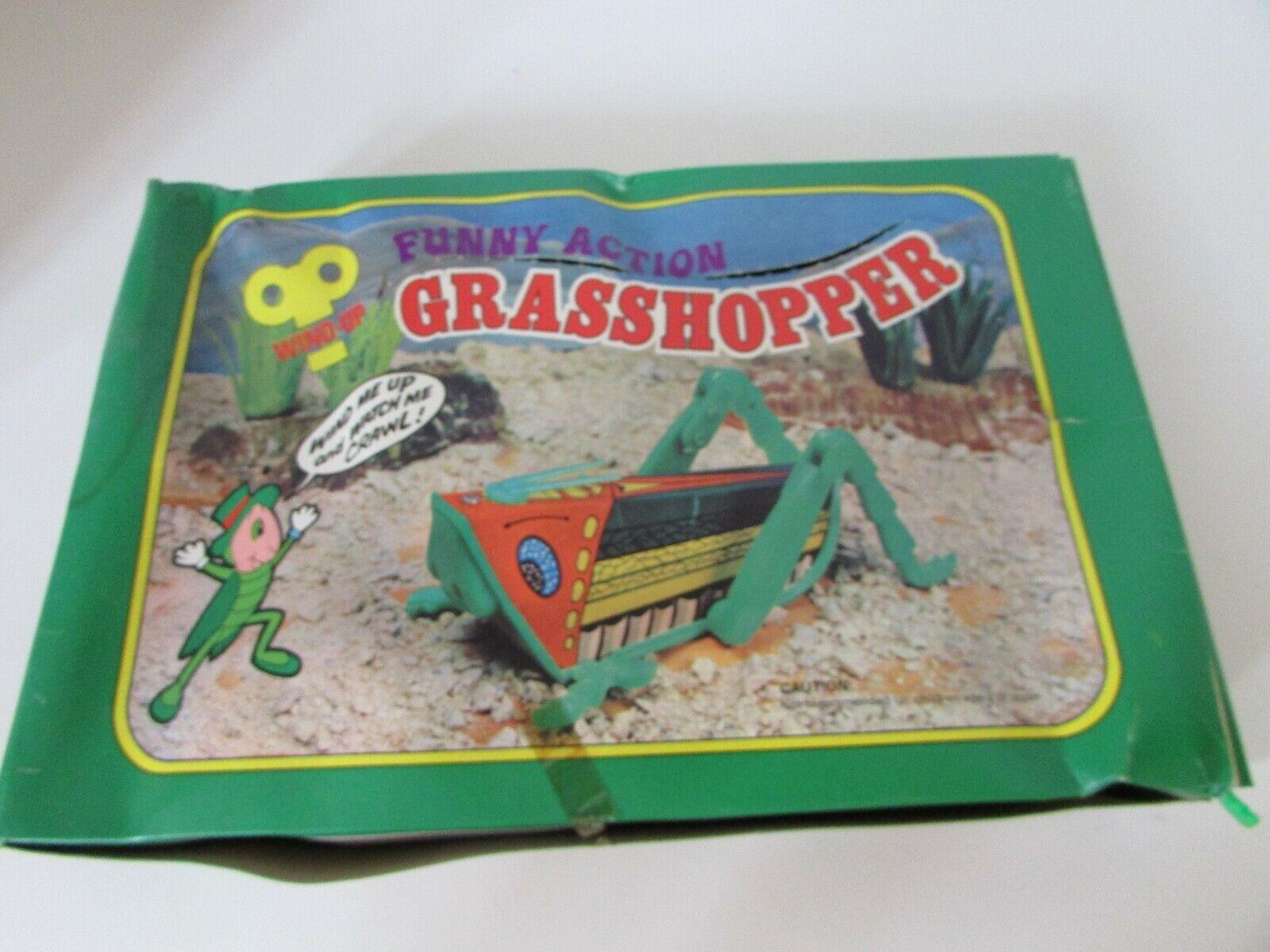 12 windup novelty toys crawling grasshoppers 4