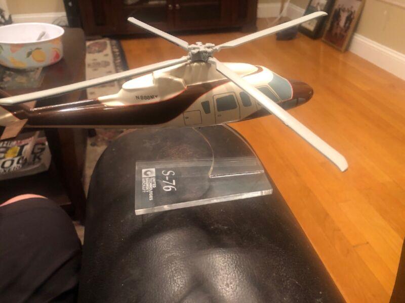 Sikorsky S-76 Helicopter Demonstrator Copter Desk Display Model United Technolog