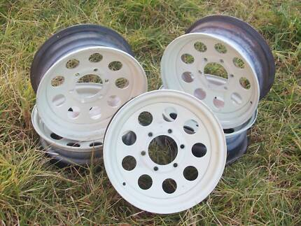 Ford Courier 15 inch 6 stud rims x5