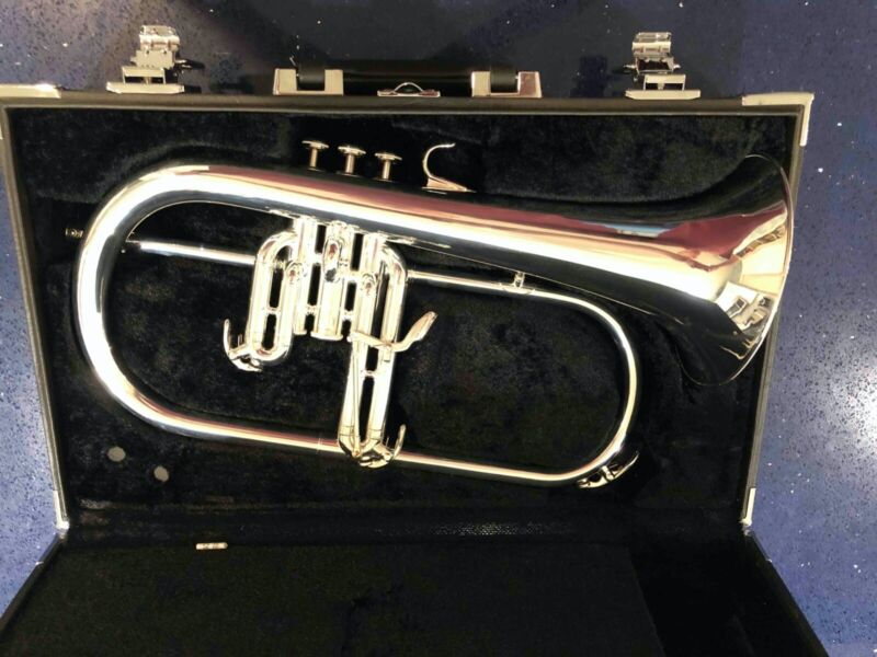 Yamaha Model YFH-635ST Bb Flugelhorn MINT! REFURBISHED!