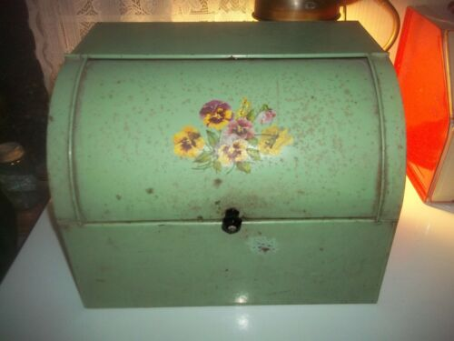 Vintage Rustic Farmhouse Metal Tin Bread Box Roll Top