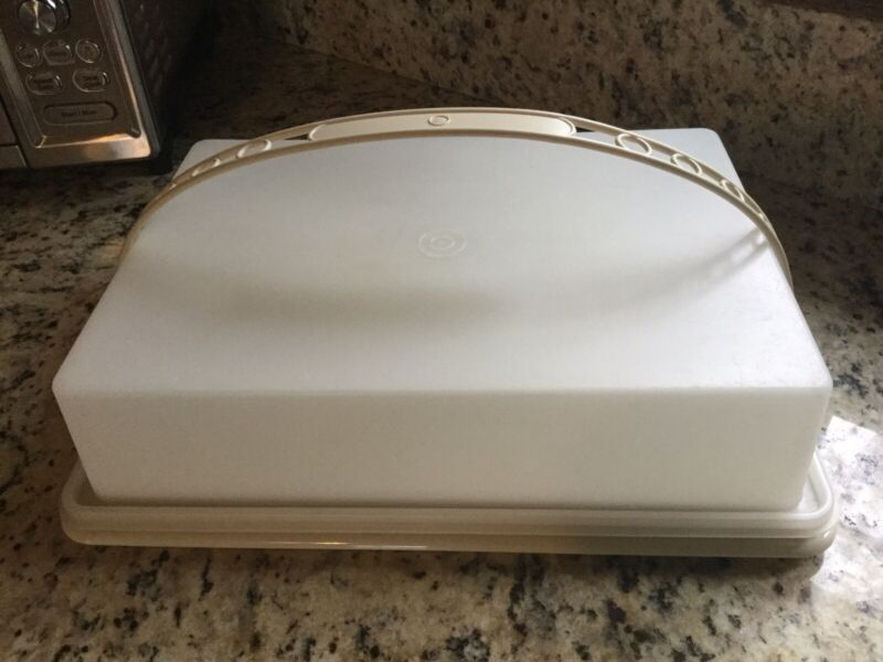 Vintage Tupperware Almond/Sheer Rectangle Cake Sheet Cake Carrier w/Handle