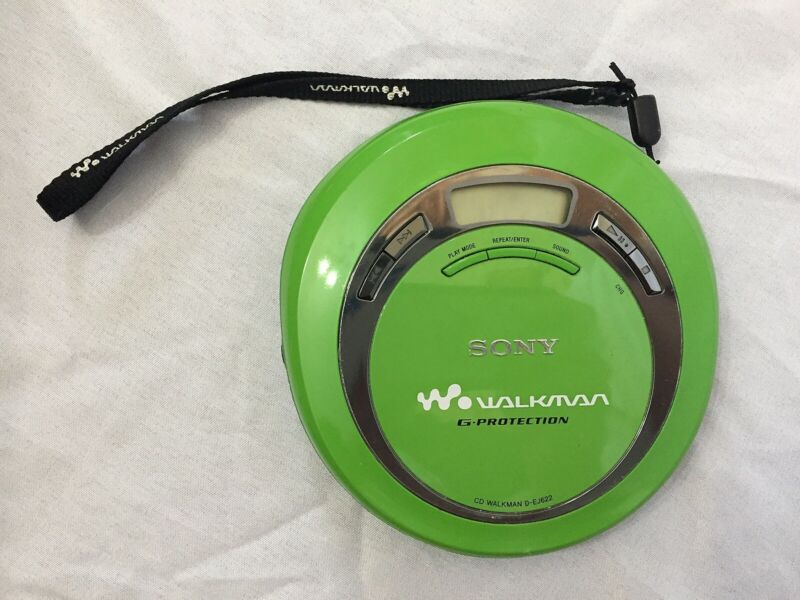 Sony Walkman Model D-EJ622 Green CD Player G-Protectoin Free Shipping Working