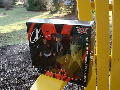 X Files 1998 McFarlane Toys 3 Figure Set-Mulder Scully Alien Box Set MIB Sealed