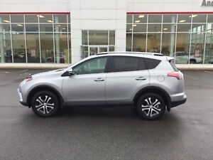 2017 Toyota RAV4 LE AWD; HEATED SEATS; BU CAMERA;
