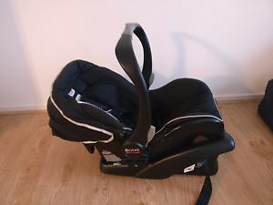 Britax b-safe infant car seat Glen Huntly Glen Eira Area Preview