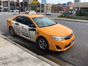 2014 Toyota Camry hybrid  TAXI
