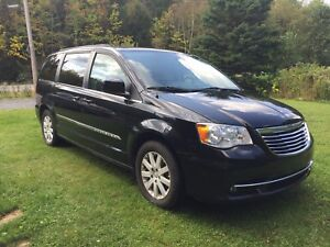 Fourgonnette Chrysler Town & Country 2013 GARANTIE COMPLÈTE